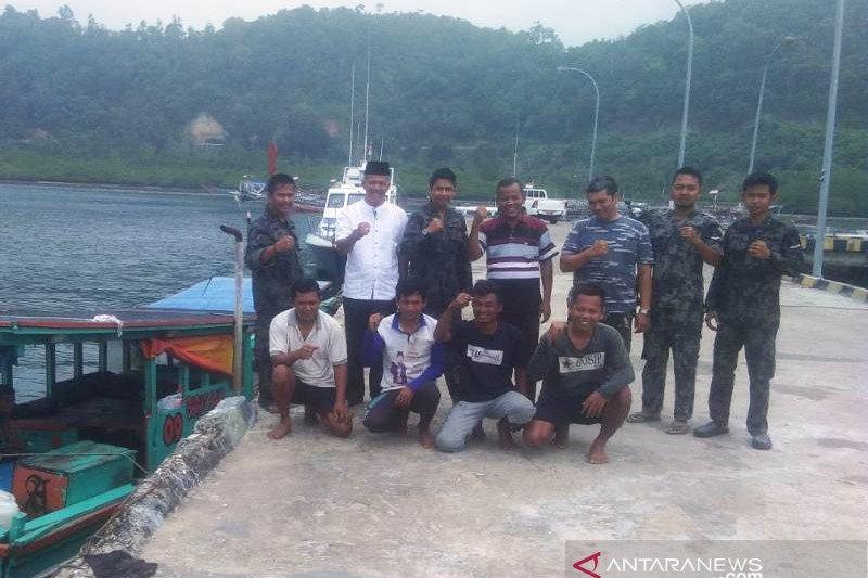 Tim gabungan tangkap kapal nelayan tak berizin, tapi dilepas lagi