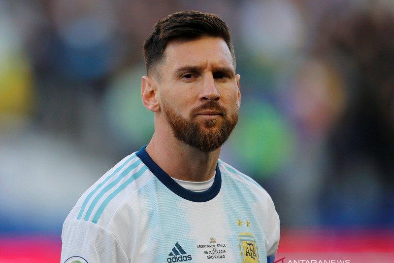 Messi tegaskan tak ingin tukar trofi saat bersama Barcelona untuk Piala Dunia