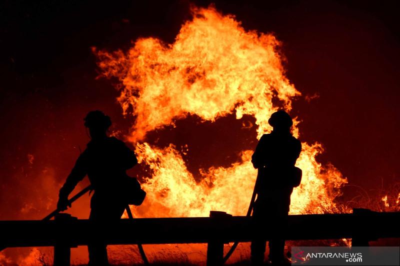 Kebakaran lahan landa California, Amerika Serikat