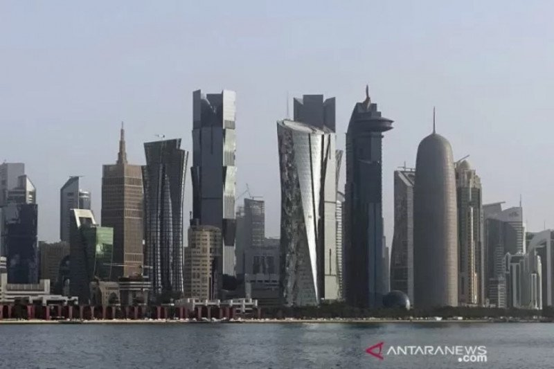 Pasang AC luar ruangan akibat Qatar 46 derajat Celcius