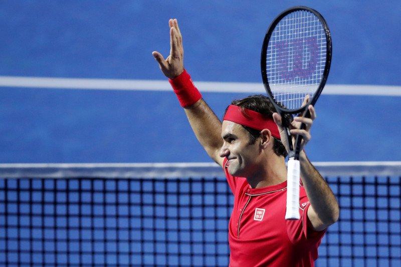 Federer catat kemenangan ke-50 usai tekuk Tsitsipas