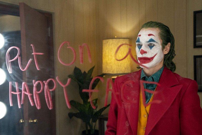 Penata rias Joker butuh 15 menit untuk merias Joaquin Phoenix