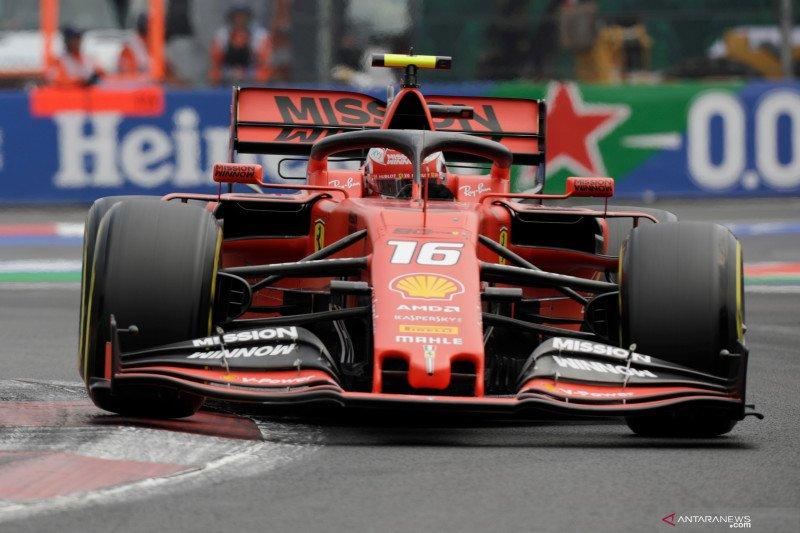 Leclerc start terdepan GP Meksiko setelah  Verstappen terkena penalti