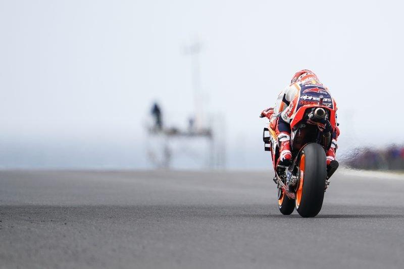 Hasil GP Australia, Rival-rival Marquez bertumbangan