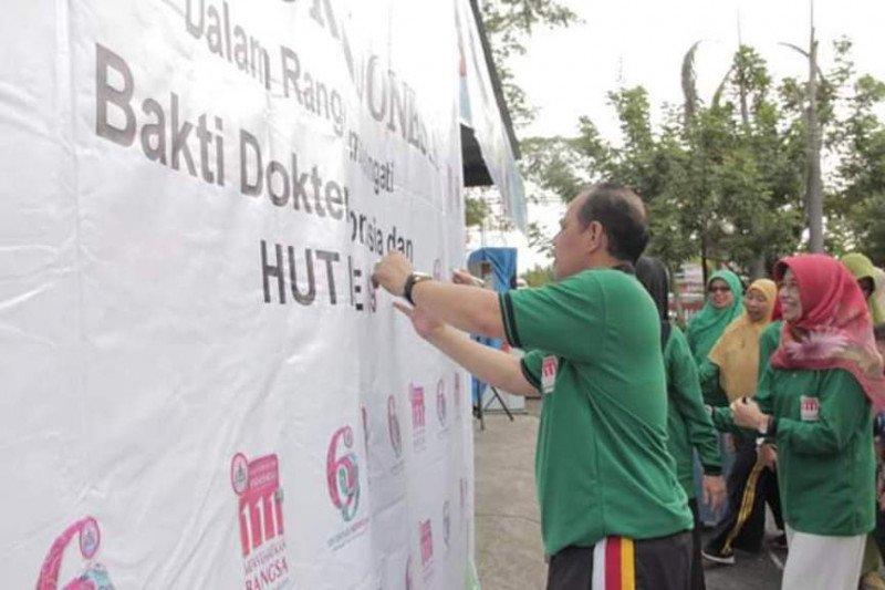 Roadshow stunting dan kesehatan reproduksi remaja meriahkan ulang tahun IDI Solok