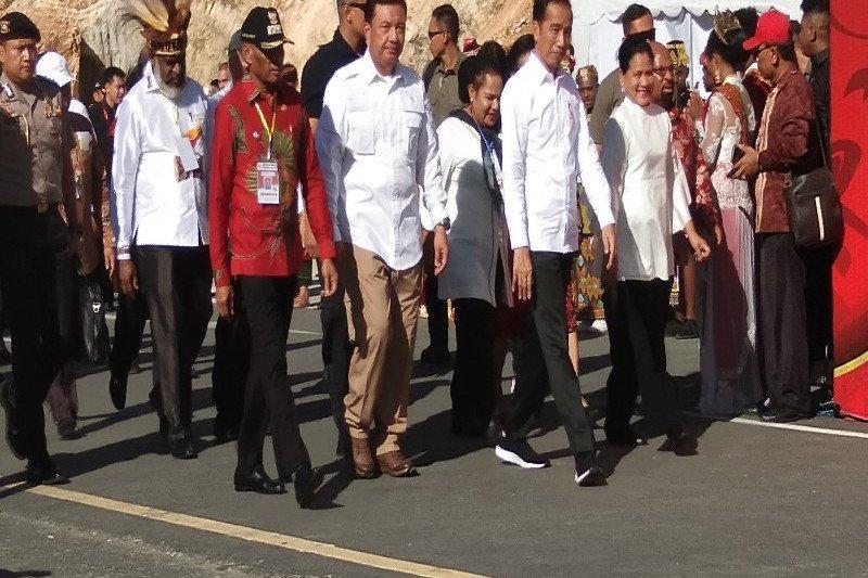 Tarian tradisional Youtefa sambut kedatangan Presiden Jokowi