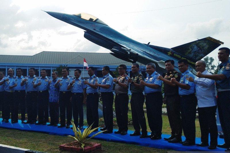 Pesawat F-16 terbakar disulap jadi monumen di Lanud Roesmin Nurjadin