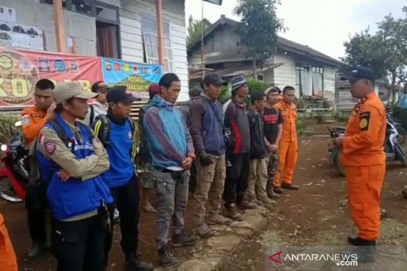 Tim SAR  perpanjang masa pencarian remaja hilang di Gunung Dempo