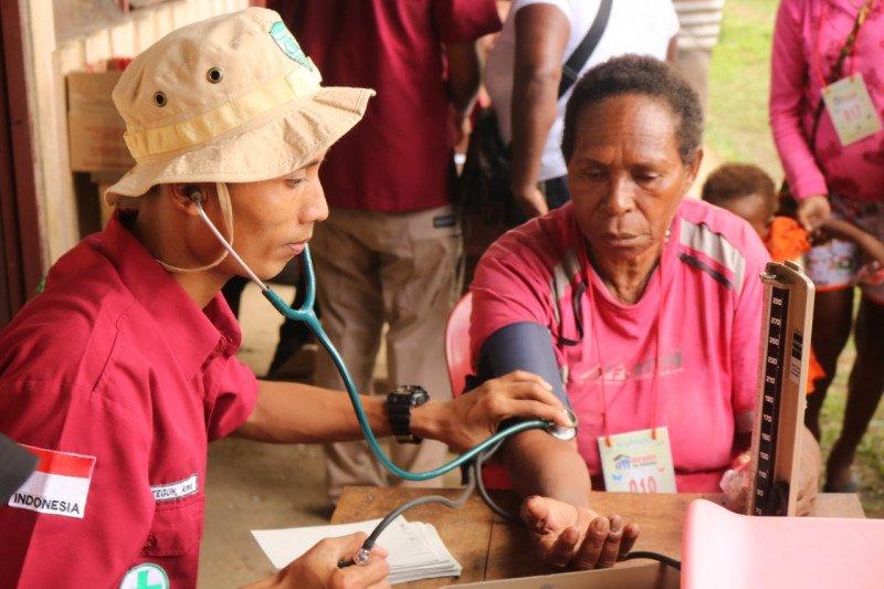 Tim Medis Korindo Group keluar masuk hutan Papua demi Mengobati Masyarakat