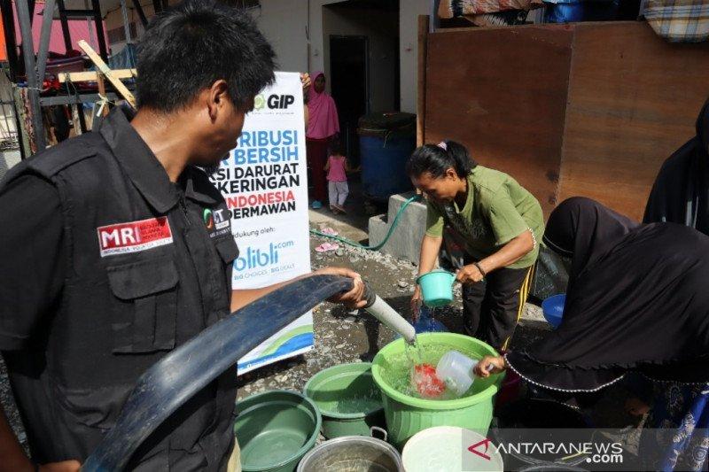 ACT distribusikan air bersih untuk pengungsi  di huntara Palu