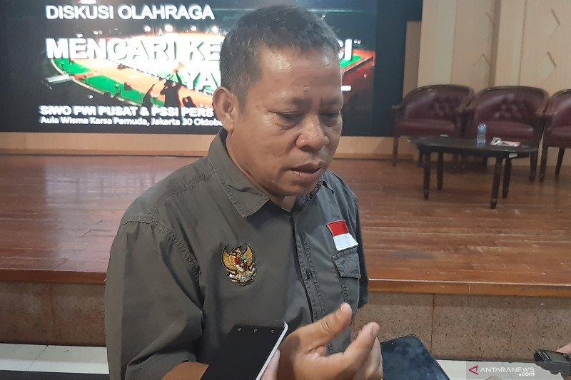 Sarman, calon ketua umum PSSI yang ingin keluarkan Indonesia  dari AFF