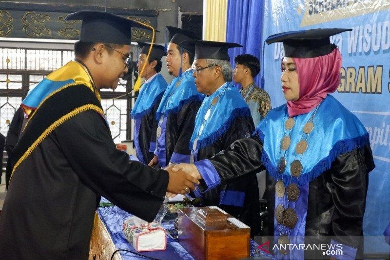 Alumni STIE Sampit dibekali kemampuan hadapi tantangan imbas kemajuan teknologi