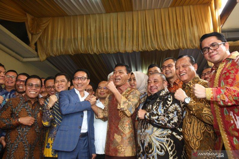 Anggota Komisi III DPR kunjungi kediaman calon tunggal kapolri, Komjen Pol Idham Aziz