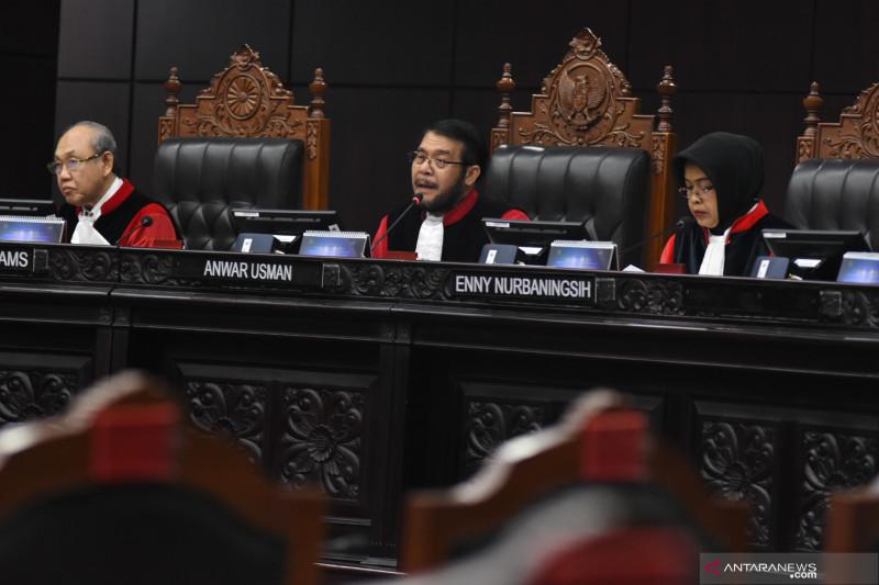Sidang uji formil UU KPK