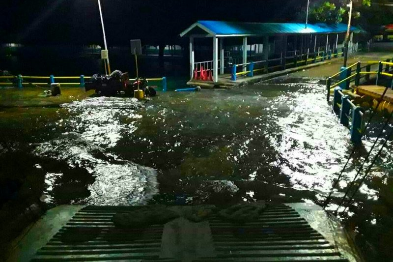 LIPI: Naiknya air laut ke Pelabuhan Hunimua fenomena fase bulan mati