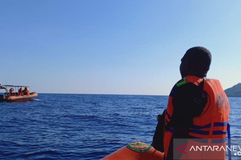 Tim SAR lanjutkan pencarian penumpang KM Sirimau