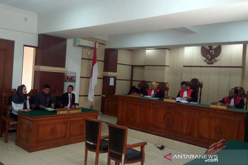 Ashanty mangkir dari sidang gugatan wanprestasi di PN Purwokerto