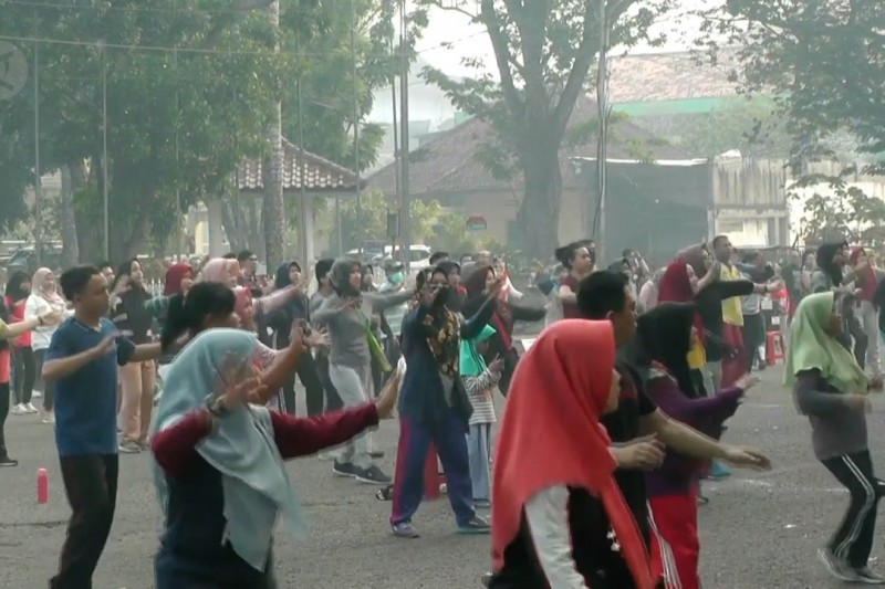 Kabut asap tak surutkan niat warga Palembang berolahraga