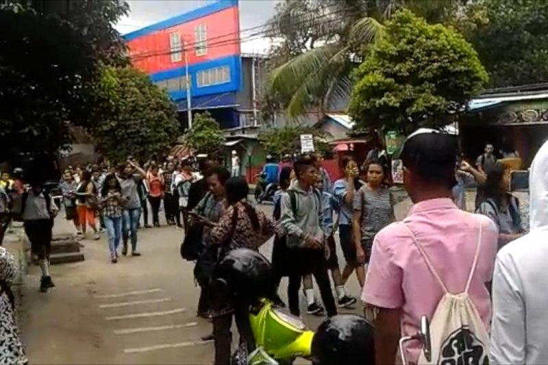 Kota Ambon digoyang  gempa bumi 5,2 Magnitudo