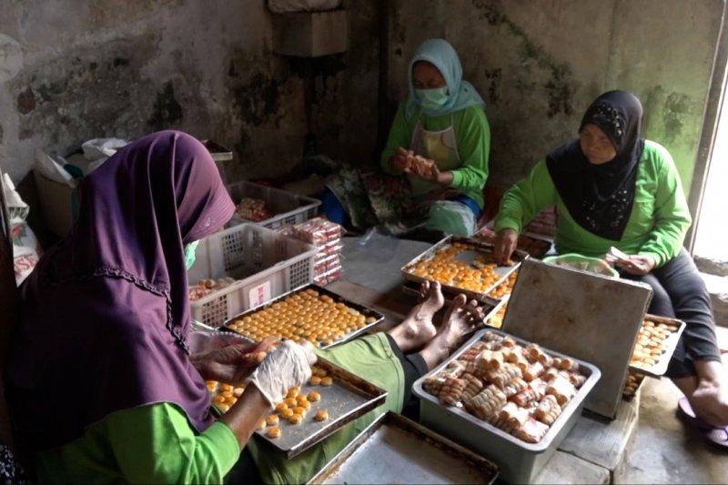 Pengusaha kue di Banyuwangi berdayakan ODGJ