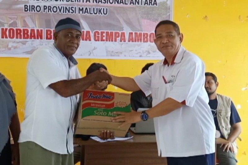 Kantor Berita ANTARA Biro Maluku berikan bantuan untuk Desa Morela