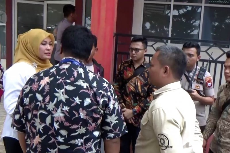 Bupati pandeglang sampaikan maaf atas penusukan Wiranto
