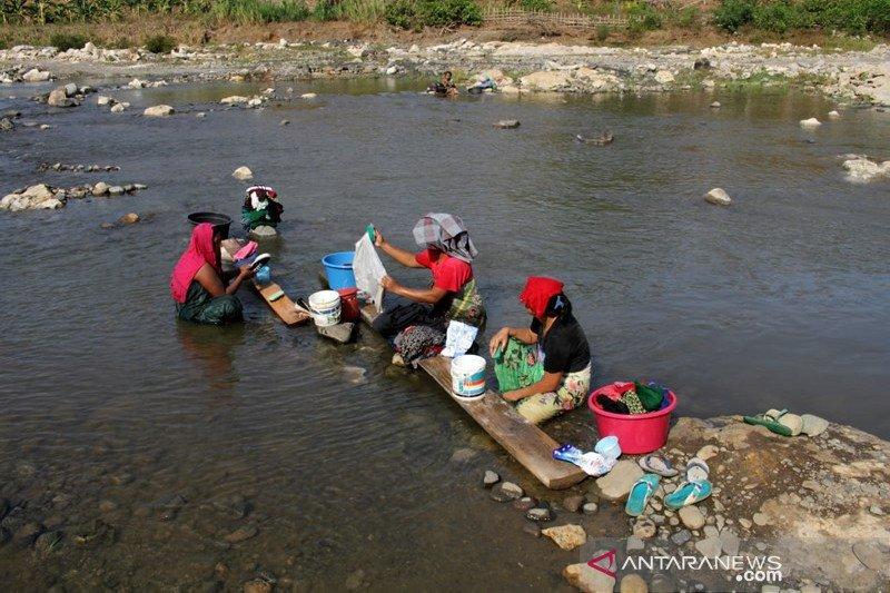 Memanfaatkan air sungai