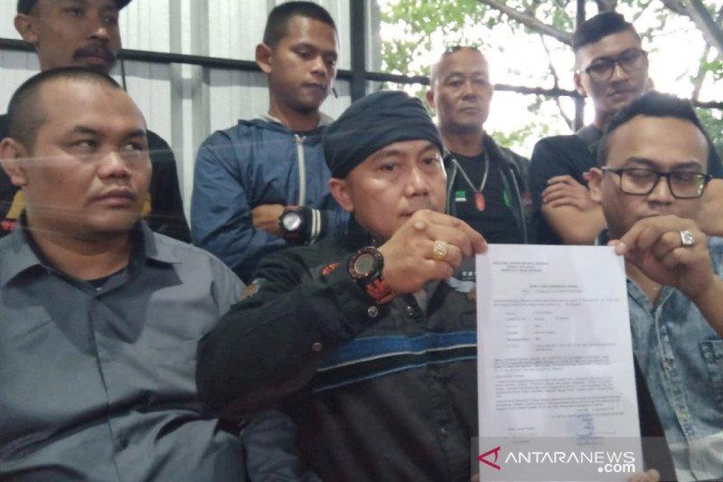 Vijaya dilaporkan ke Polrestabes Bandung cemarkan nama  baik Iwan Bule