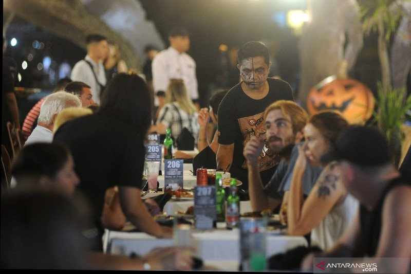 Wisatawan di Bali antusias ikuti perayaan 'Halloween'