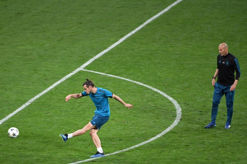 Direksi Real Madrid ingin Zidane berdamai dengan Bale