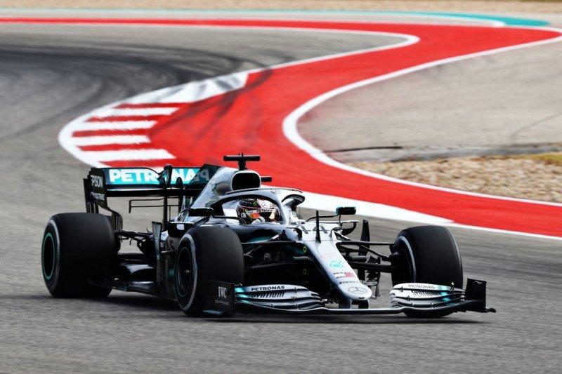 Vettel  puji Hamilton jelang penobatan gelar juara dunia
