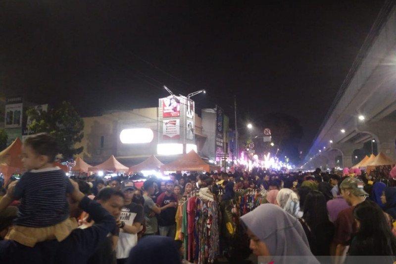 Pengunjung keluhkan  kondisi Pedestrian Sudirman Palembang