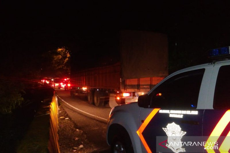 Ada truk rusak di Silaing, lalu lintas Padang-Bukittinggi tersendat