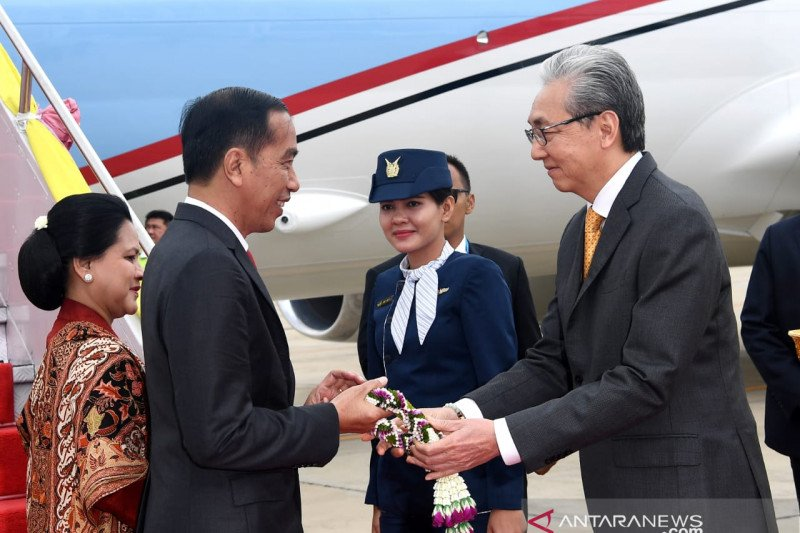 Presiden FIFA temui Presiden Jokowi di Bangkok