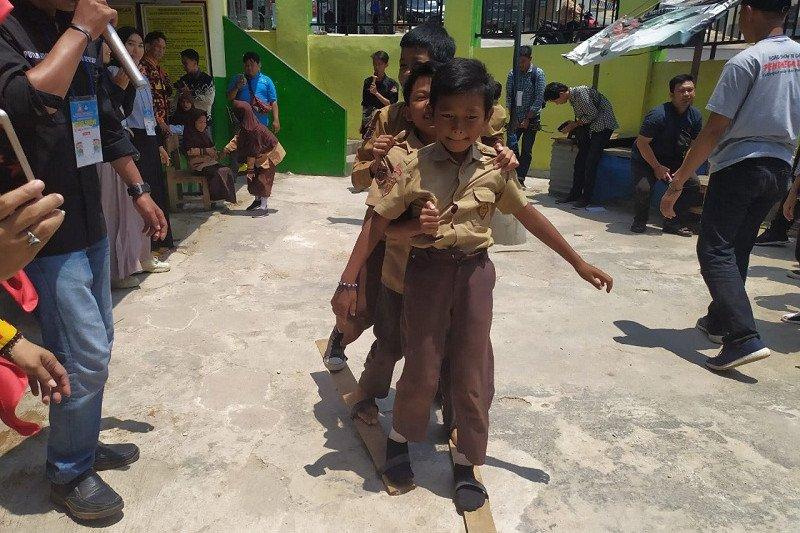Permainan tradisional bisa alihkan anak dari ketergantungan gawai