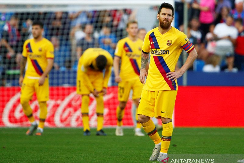 Levante di kandang tundukkan Barcelona 3-1