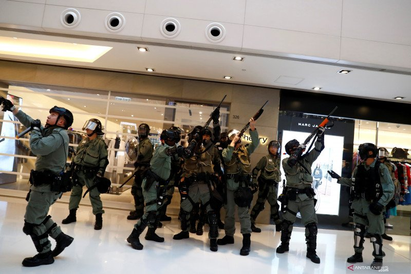 "Kantor Berita Xinhua diserang, media China desak ""aturan lebih tegas"" di Hongkong"