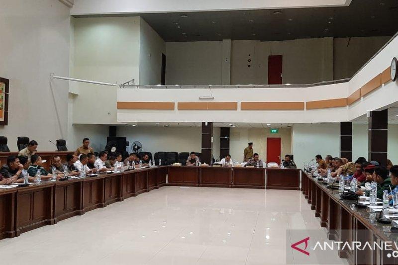 Sampaikan solusi penyelesaian Karhulta di Inhil, DPRD ajak mahasiswa berdiskusi