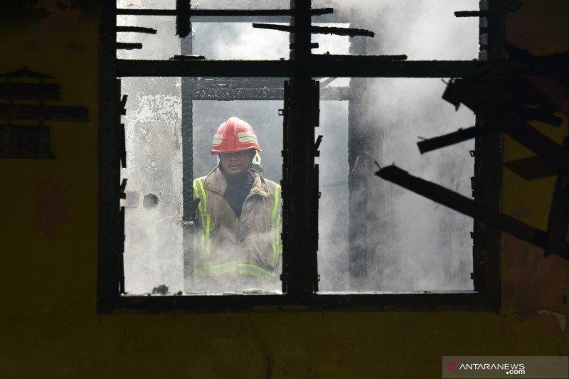 Kebakaran landa satu unit rumah kosong di Cengkareng