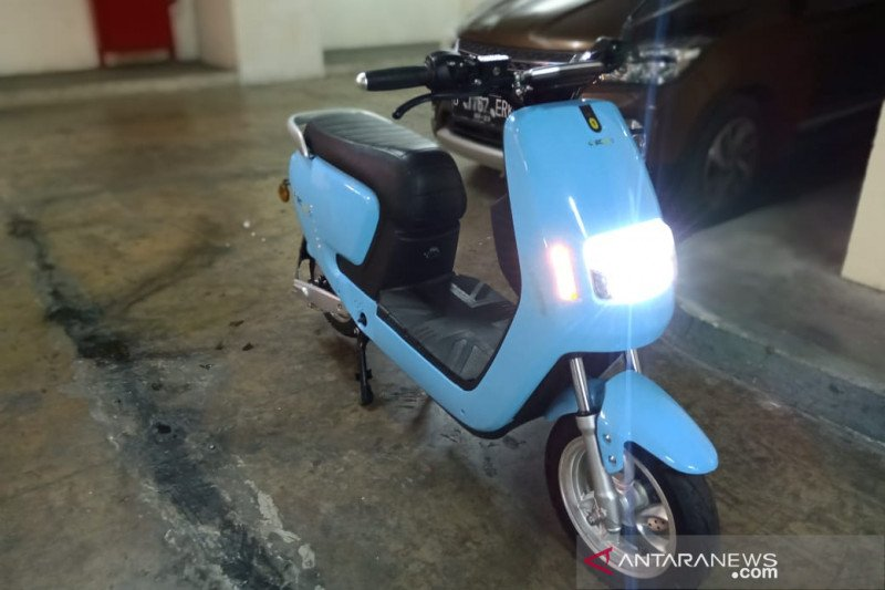Sewa baterai, cara ECGO bikin harga sepeda motor listrik terjangkau