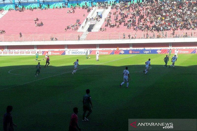 PSS tahan imbang Bali United 0-0