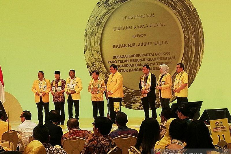 Golkar anugerahi Jusuf Kalla penghargaan Bintang Karya Utama