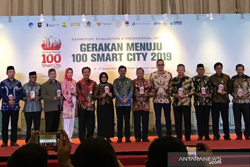 Kementerian Kominfo akan bangun 3.447 BTS demi Smart City