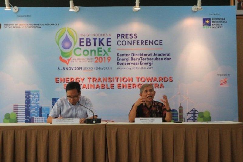 Menteri ESDM sebut pemanfaatan energi baru terbarukan baru tercapai delapan persen
