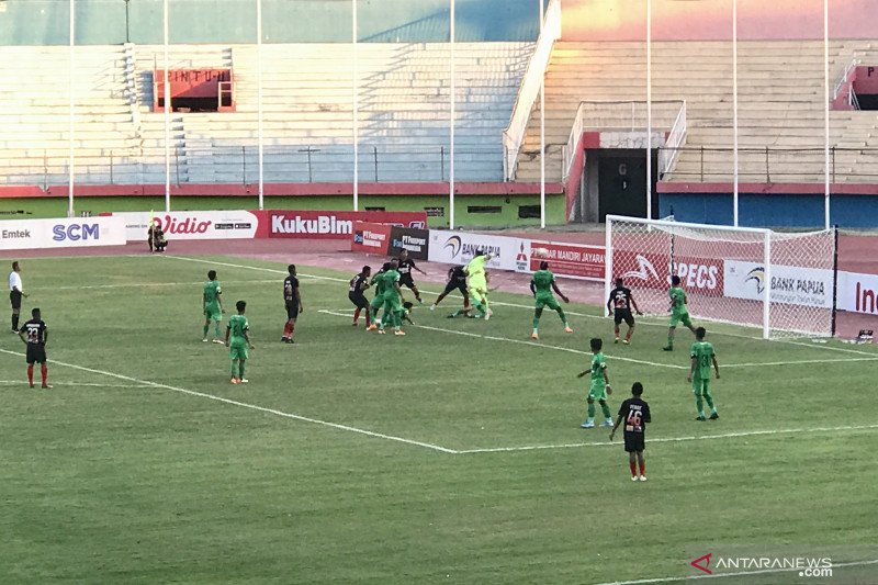 Persipura ditaklukkan Bhayangkara FC  1-3