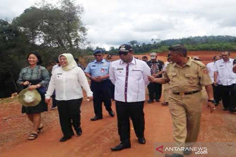 Pemkab manfaatkan CSR buka keterisolasian di Kotawaringin Barat