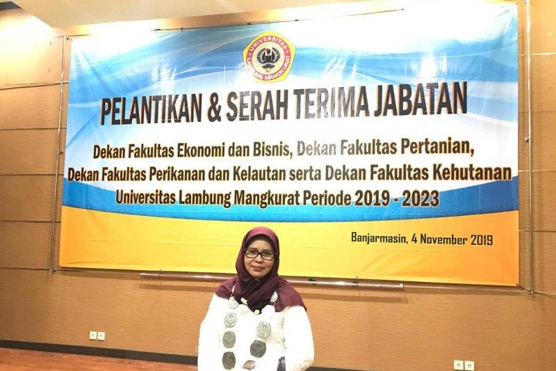 Agustiana perempuan pertama dekan Fakultas PK ULM