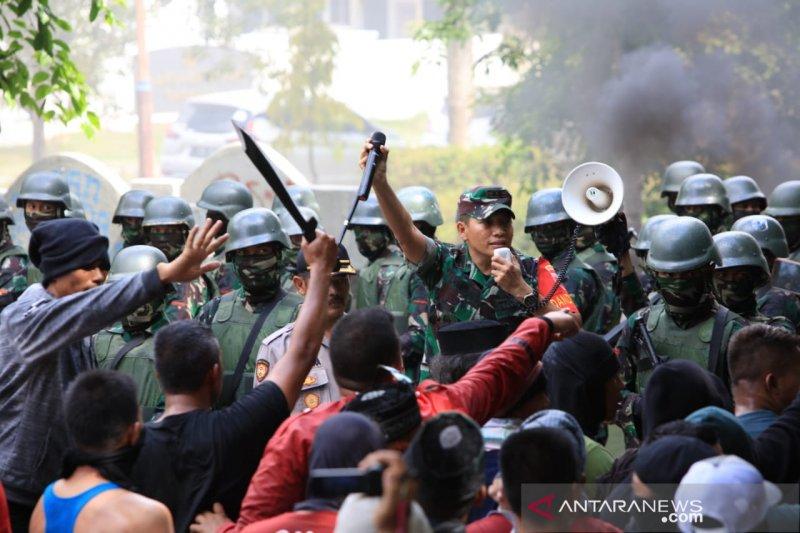 Prajurit Kodam XIV/Hasanuddin redam konflik sosial dengan pendekatan humanis