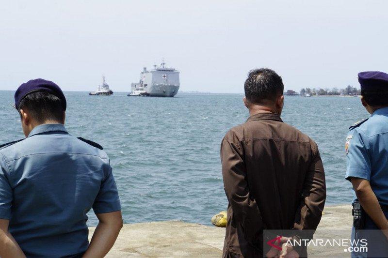 Lantamal VI sambut Kapal Rumah Sakit KRI dr Suharso-990 di Pelabuhan Soekarno Makassar