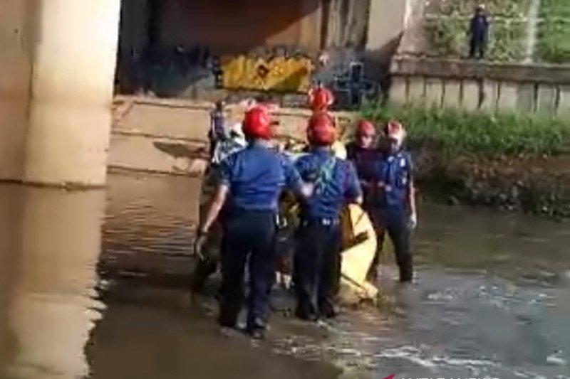 Dilaporkan hilang dua hari, Ahdan ditemukan tewas mengambang di Banjir Kanal